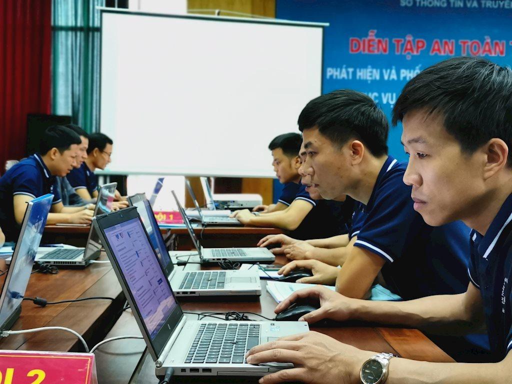 Sở TT&TT, huyện Lập Thạch dẫn đầu về xây dựng chính quyền điện tử tại Vĩnh Phúc