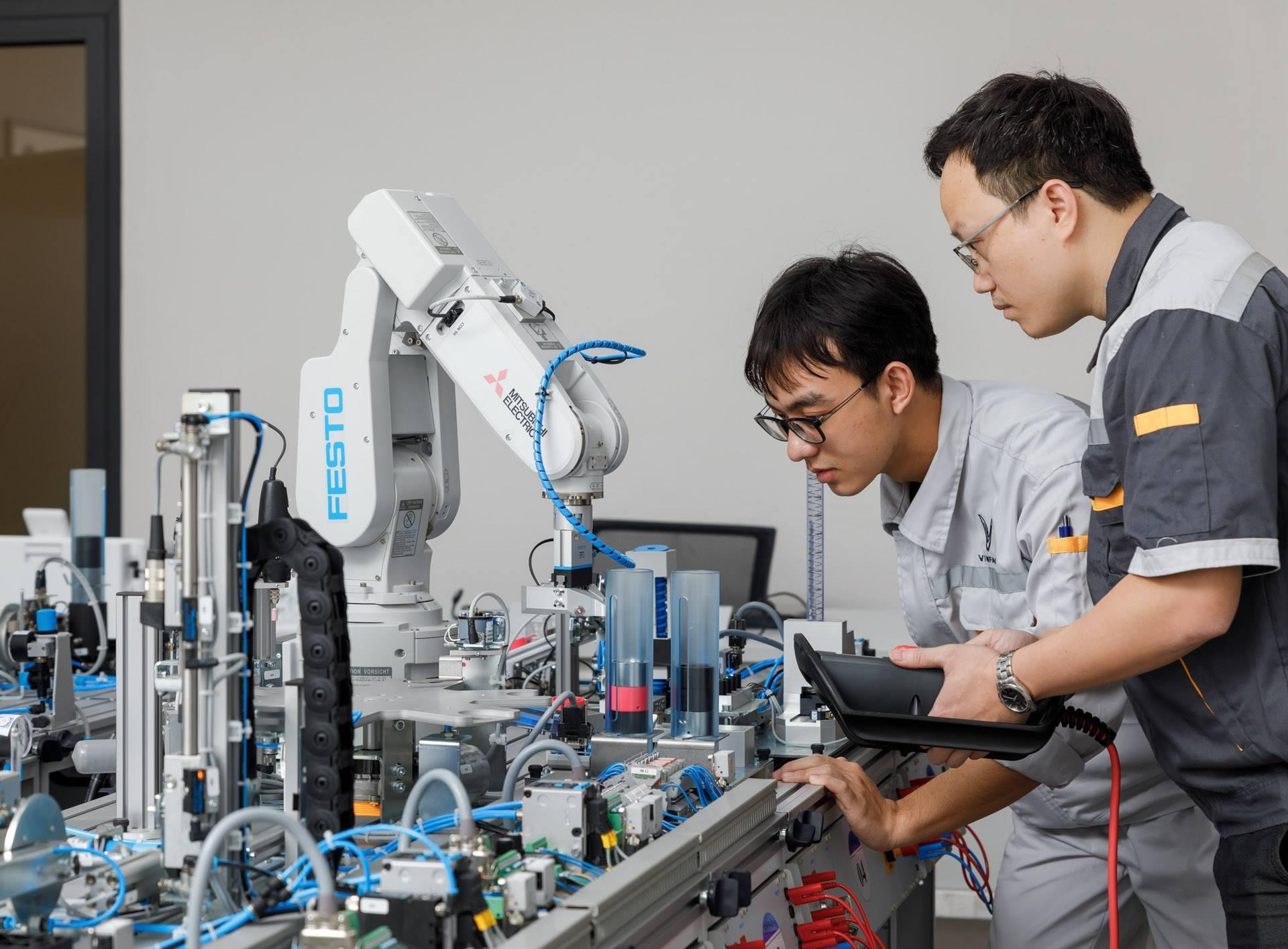 VinFast hợp tác với 5 trường cao đẳng chuyên ngành kỹ thuật ô tô