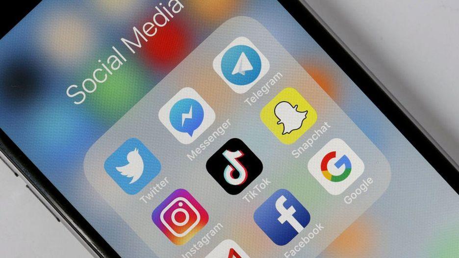 Tổng thống Trump: 'Mạng xã hội đang thao túng người dùng'