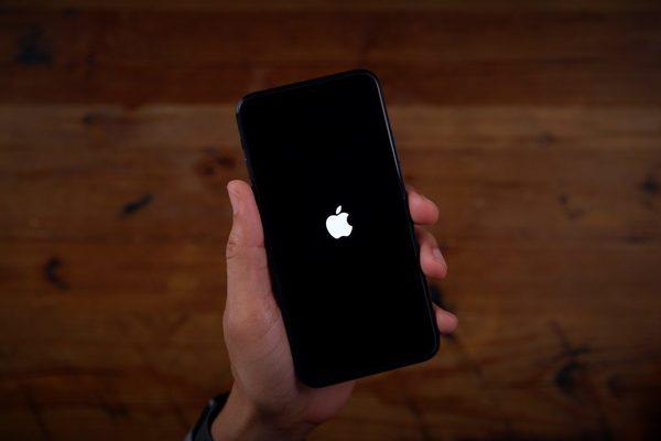 Apple phát hành iOS 13.5.1, vá lỗi bảo mật nghiêm trọng