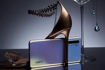 OPPO chơi trội tặng khách hàng Reno3 ốp lưng phủ vàng hoặc đính đá swarovski