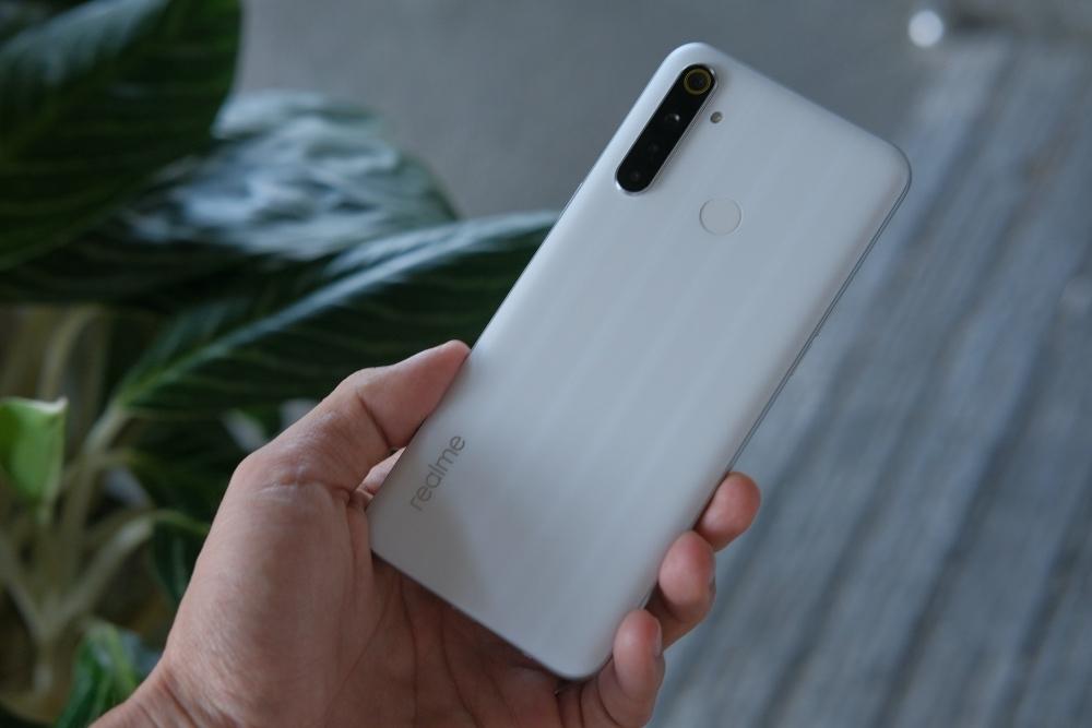 Chọn smartphone pin lâu, màn hình to, giá dưới 5 triệu đồng