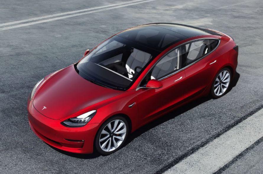Đặt mua nhầm 28 chiếc Tesla Model 3