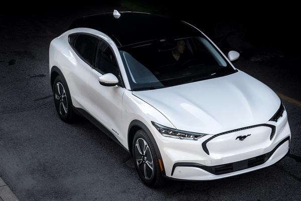 Các hãng ô tô Mỹ dự kiến chỉ sản xuất xe điện từ năm 2035