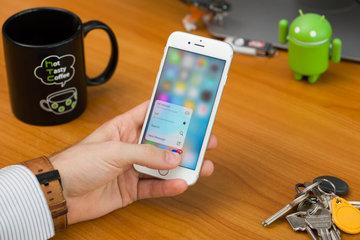 """5 quốc gia muốn Apple trả thêm tiền cho sự cố """"bóp"""" CPU năm 2017"""