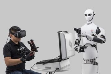 Siêu thị Nhật Bản sử dụng nhân viên robot điều khiển qua VR