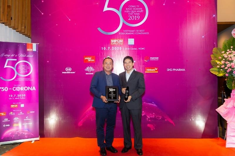 4 lần dành vị trí Quán quân Top 50 công ty niêm yết tốt nhất và bí quyết của Thế Giới Di Động