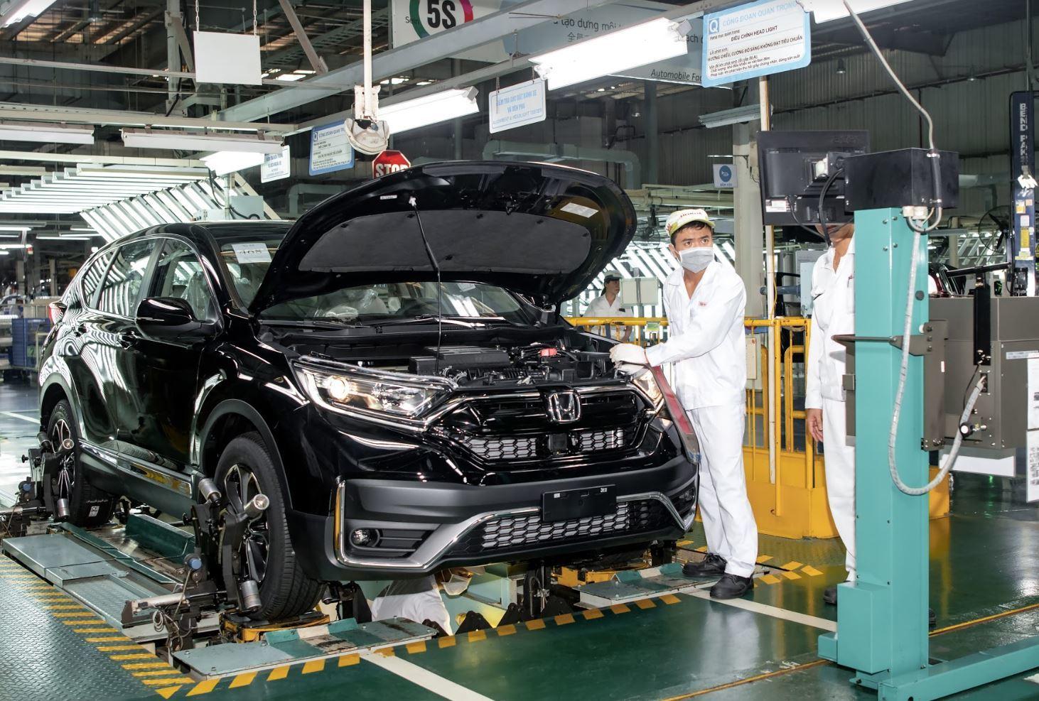 Doanh số bán xe máy, ô tô của Honda Việt Nam sụt giảm