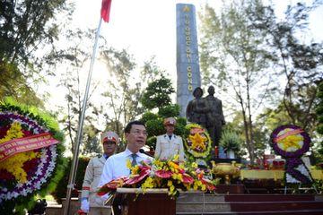 Bộ TT&TT dâng hương tưởng niệm các liệt sĩ Giao Bưu - Thông tin R