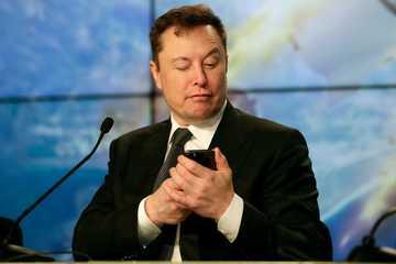 """8 ý tưởng điên rồ của """"thiên tài lập dị"""" Elon Musk"""