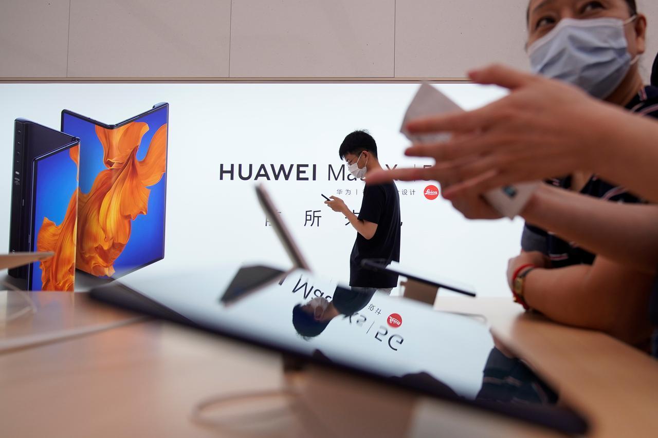 Huawei đoạt ngôi vương smartphone của Samsung