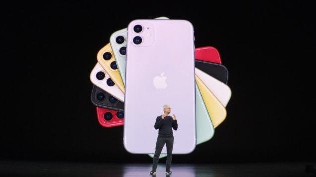 Apple xác nhận iPhone 12 bán muộn hơn mọi năm