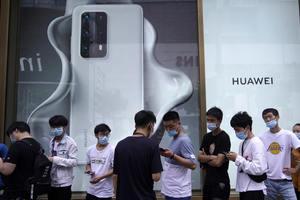 """Huawei khó ngồi lâu trên """"đầu"""" Samsung"""