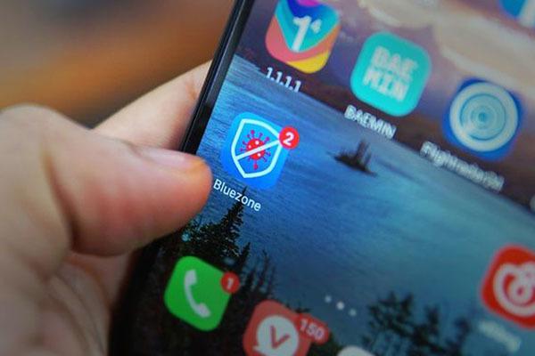 Dùng ứng dụng Bluezone trở thành nếp sống hàng ngày của người dân Đà Nẵng