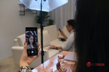 Thị trường smartphone Việt sôi động bất chấp Covid-19