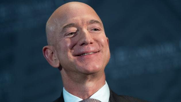 Tài sản CEO Amazon vượt 200 tỷ USD, bỏ xa Bill Gates