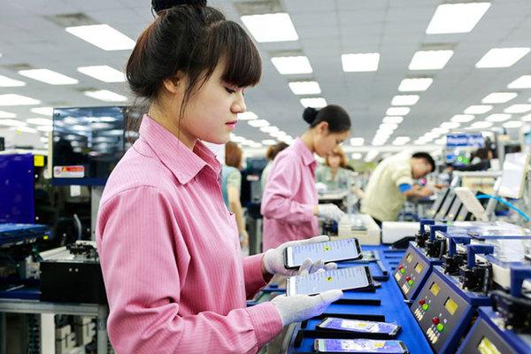 """Xuất khẩu điện thoại """"Made in Vietnam"""" vượt mốc 5,1 tỷ USD"""