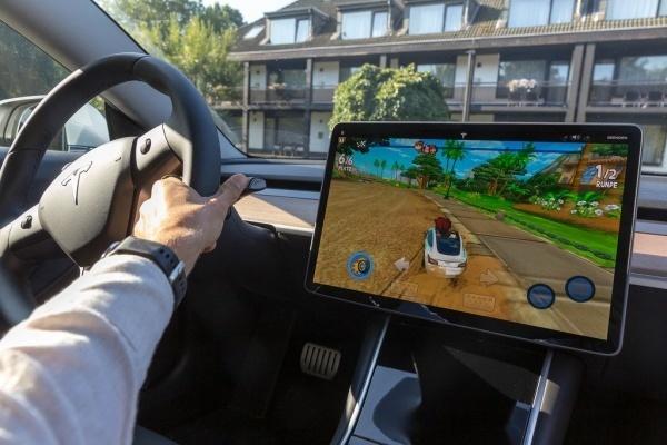 Tesla sẽ lấn sân sang lĩnh vực phát triển trò chơi điện tử?