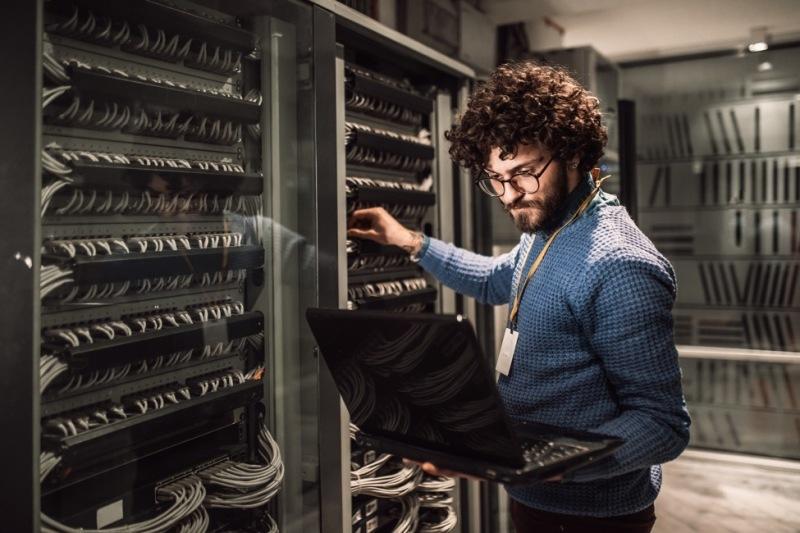 Chuyển đổi số: Bắt đầu từ tự động hóa vận hành hạ tầng mạng