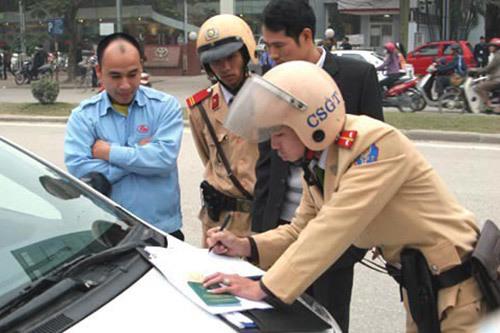 Tính điểm trên giấy phép lái xe: Những vi phạm nào sẽ bị trừ điểm?