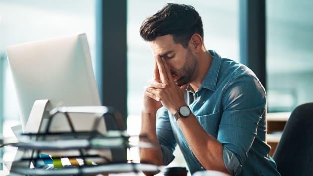 Cách làm giảm mỏi mắt khi phải nhìn màn hình cả ngày