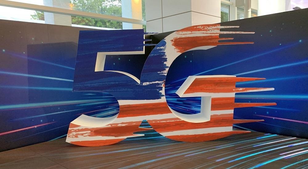 Malaysia hoãn triển khai 5G