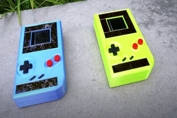 Game Boy có thể chơi không cần pin, tuổi thơ của nhiều thế hệ đã sang trang mới