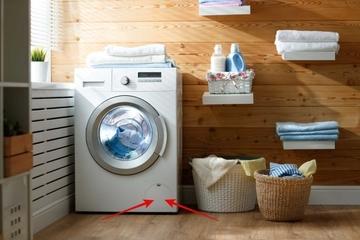 """Nhiều người không biết công dụng """"cửa"""" ở góc dưới bên phải của máy giặt"""