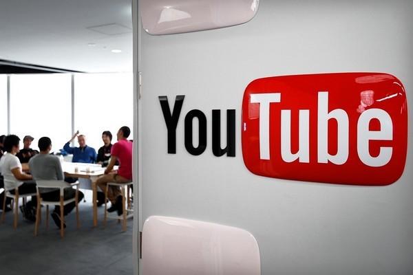 Con trai bà Tân Vlog bị xử phạt: Vì sao YouTube vẫn dung túng clip xấu độc?
