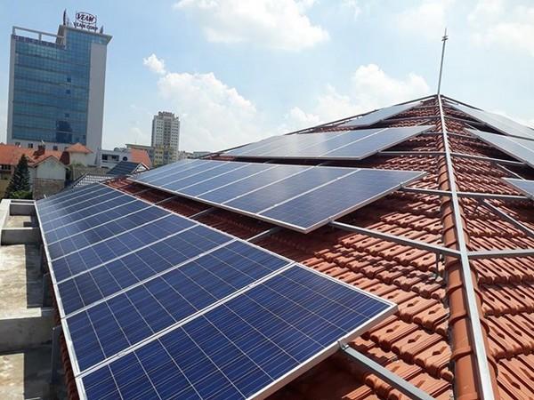 Những lưu ý khi lắp điện mặt trời mái nhà cho hộ gia đình