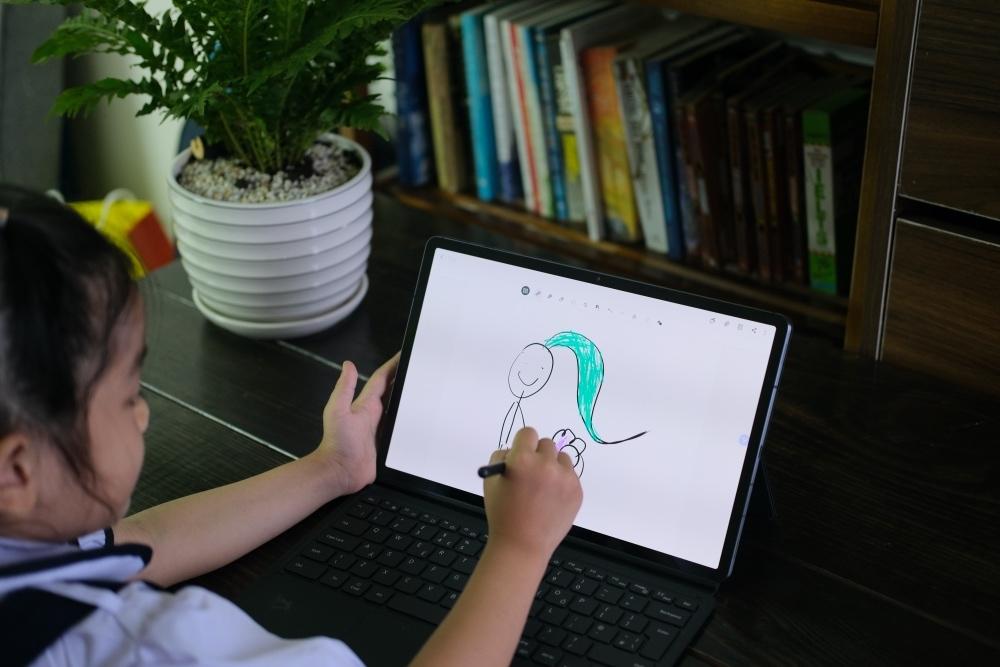 Trải nghiệm nhanh Tab S7 Plus: Có thể thay thế được laptop