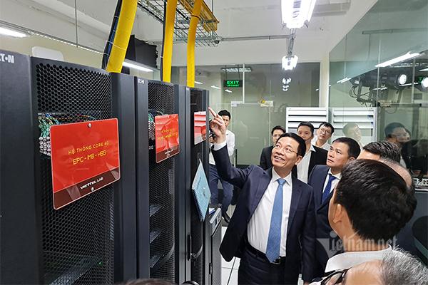 Khai trương phòng lab mạng 4G LTE hoàn chỉnh đầu tiên trong trường đại học