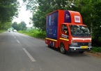 Xiaomi rong ruổi xe tải bán smartphone dạo ở Ấn Độ