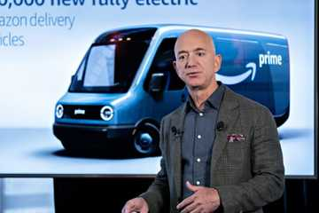 CEO Amazon mở trường mầm non miễn phí