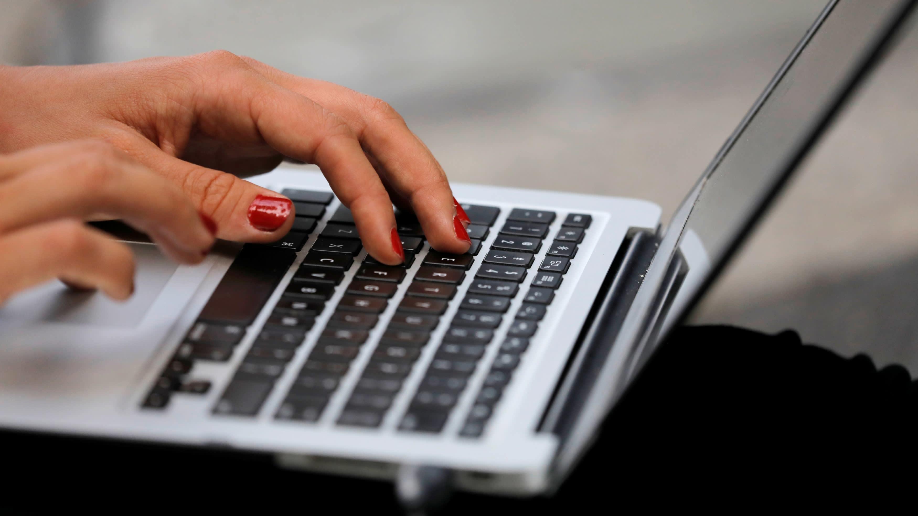 Việt Nam và Thái Lan sẽ đưa ĐNÁ thành công xưởng laptop lớn nhất thế giới