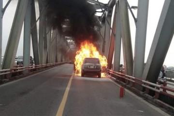 Những nguyên nhân dẫn đến hiện tượng xe ô tô tự bốc cháy