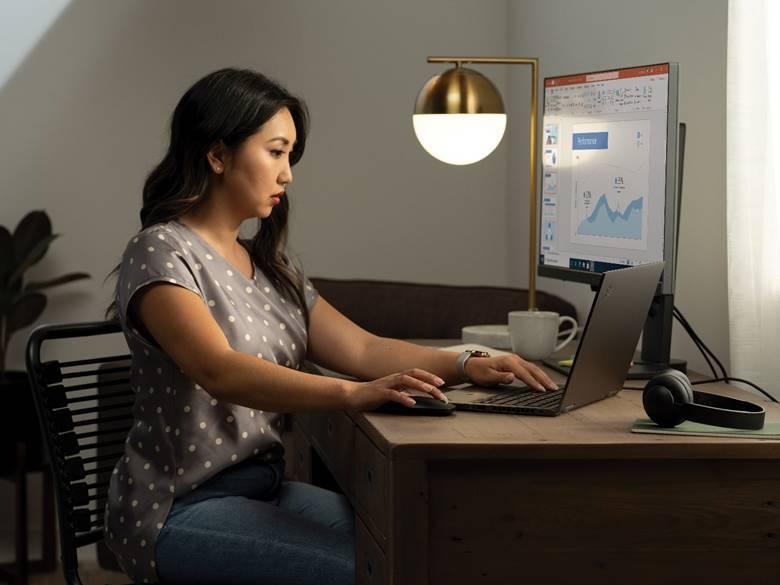 Hơn một nửa người dùng Việt có liên quan đến hành vi bắt nạt trên mạng