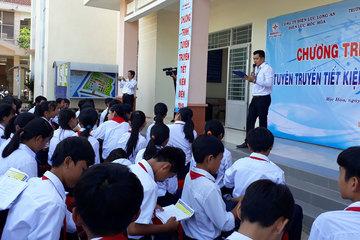 Long An: Lồng ghép chủ trương tiết kiệm điện vào trường học