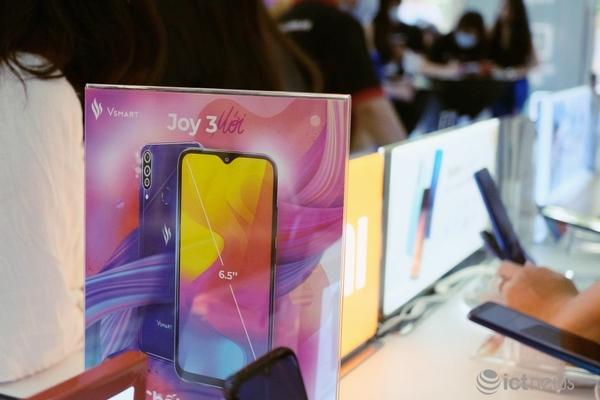Thị trường smartphone Việt: Không chỉ có Samsung, Oppo và Apple