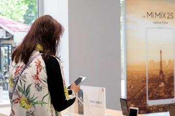 Pháp khuyến khích người dân mua điện thoại đã qua sử dụng
