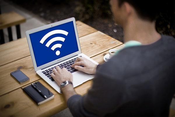 Điểm truy nhập Wi-Fi Internet công cộng tiềm ẩn nhiều nguy cơ về an toàn thông tin