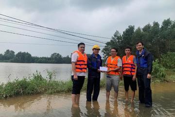 MobiFone nỗ lực đảm bảo mạng lưới thông suốt trong bão lũ miền Trung