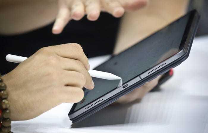 Ba tính năng 'cũ mèm' của Android mà iPhone 12 vẫn chưa có