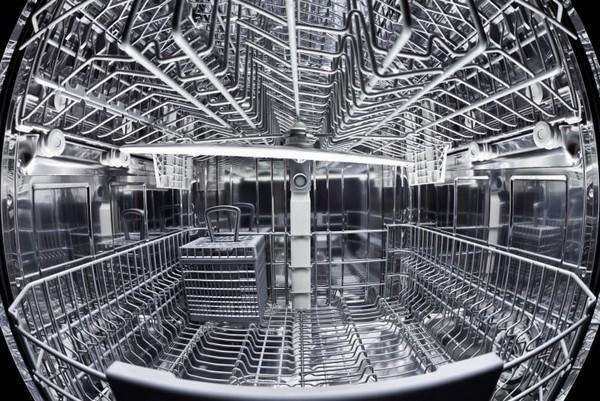Có nên mua máy rửa bát đĩa?