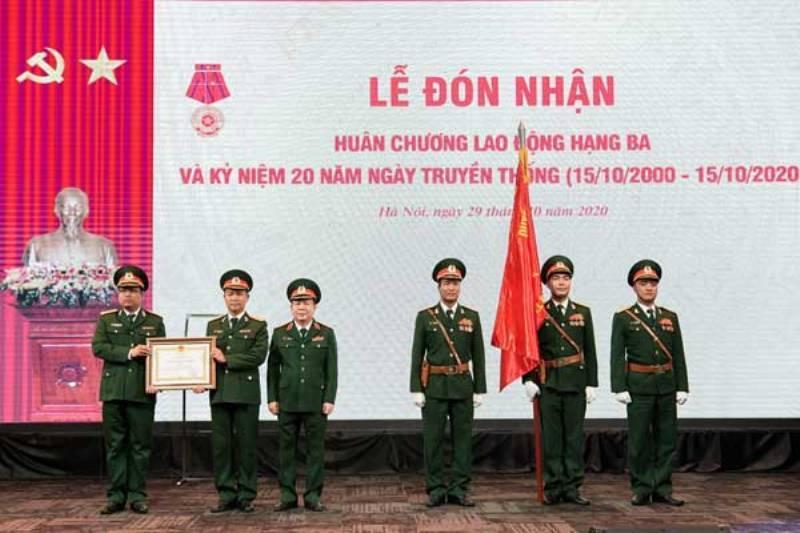Viettel Hà Nội nhận Huân chương Lao động hạng Ba