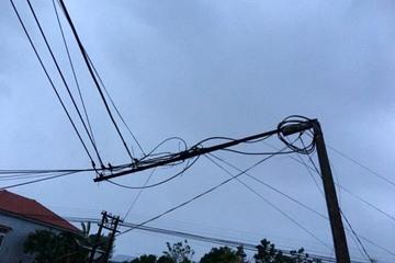 Nhân viên VNPT trắng đêm khắc phục sự cố trong bão số 9