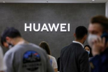 """Huawei """"thử"""" kháng cáo lệnh cấm của Thụy Điển"""