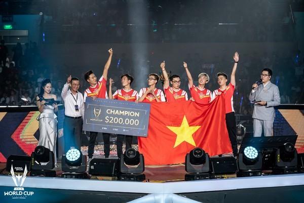 Team Flash đang toan tính điều gì ở eSports Việt?