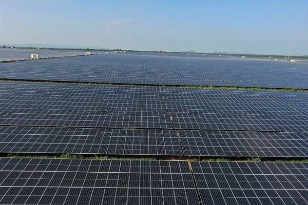 Đóng điện trạm biến áp nhà máy điện mặt trời lớn nhất Đông Nam Á