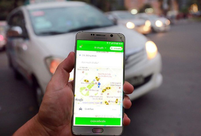 Doanh nghiệp taxi truyền thống 'tố' Grab hoạt động trái phép